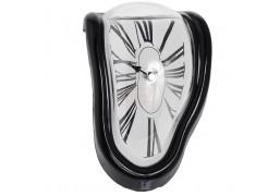 """Часы, стекающие со стола """"Утекающее время"""""""